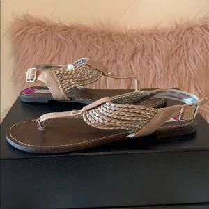 NWT Steve Madden Stagge Taupe Braided T-Strap Sand
